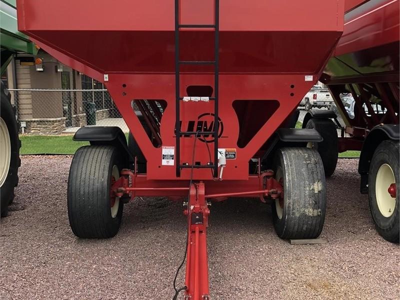 Unverferth 730 Gravity Wagon