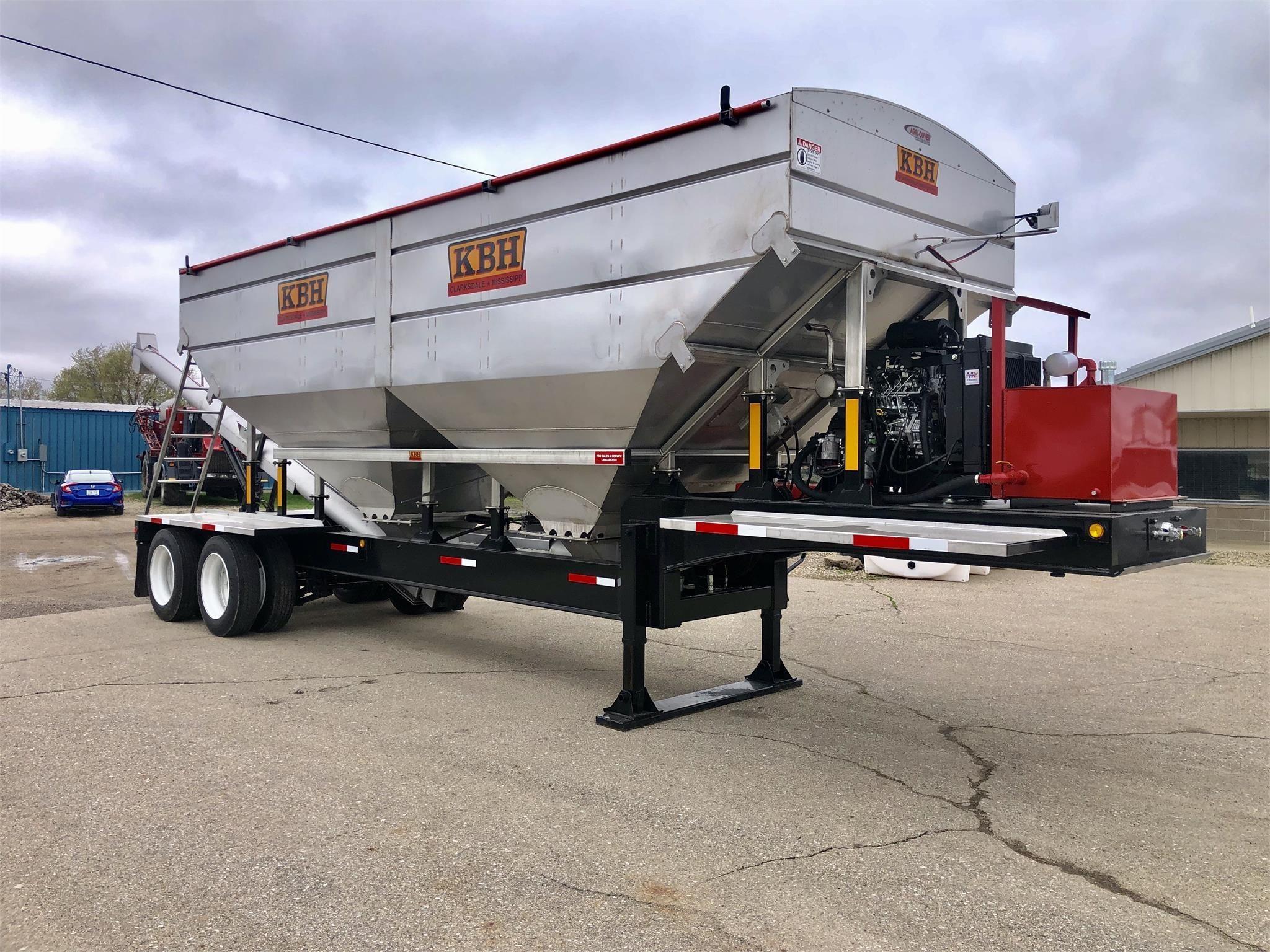 2021 KBH TT2000 Pull-Type Fertilizer Spreader