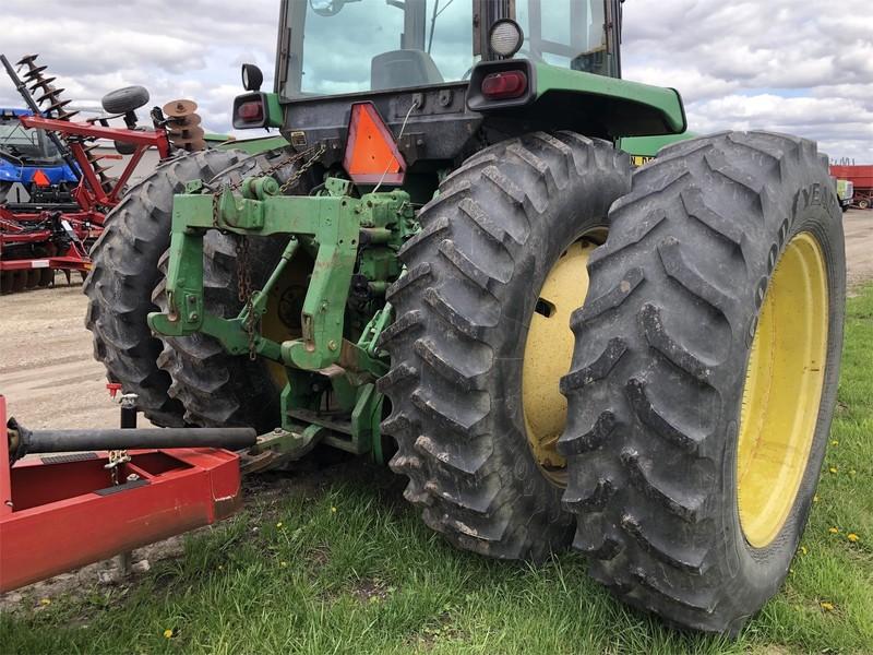 John Deere 4850 Tractor