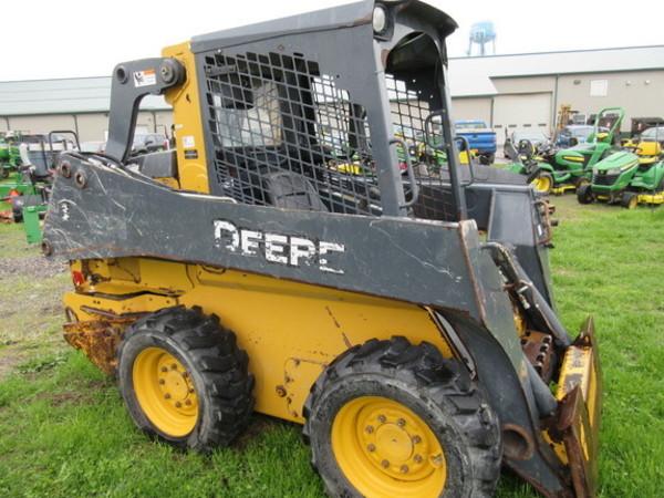 2012 Deere 318E Skid Steer