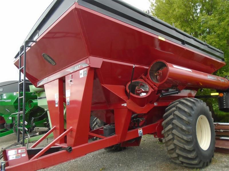 2014 Brent 882 Grain Cart