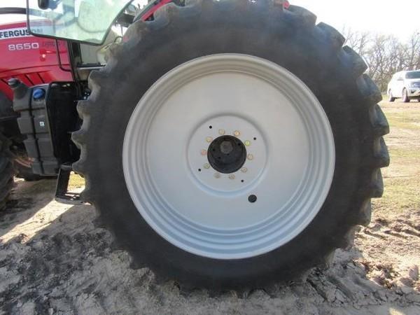 2014 Massey Ferguson 8650 Tractor