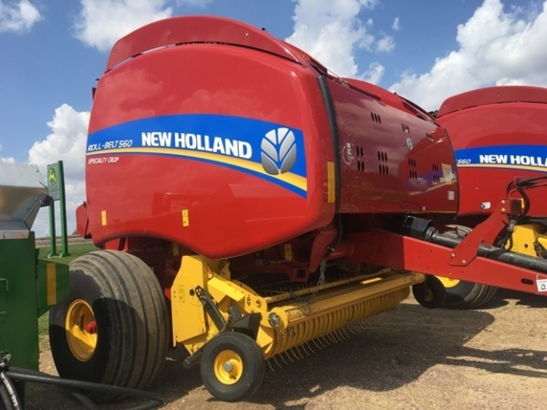 2018 New Holland Roll-Belt 560 Round Baler