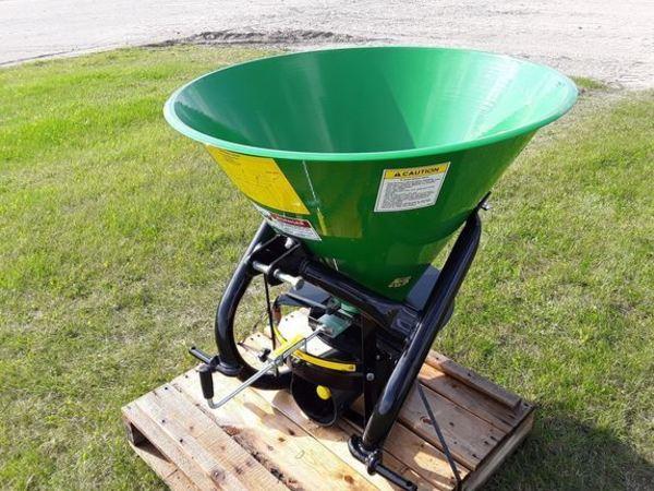 2018 Frontier SS1023B Pull-Type Fertilizer Spreader
