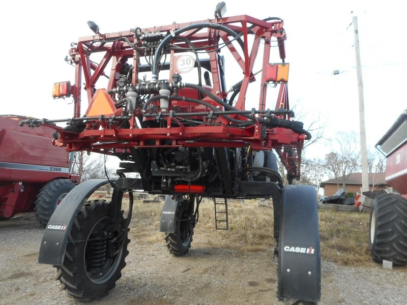 2014 Case IH Patriot 2240 Self-Propelled Sprayer