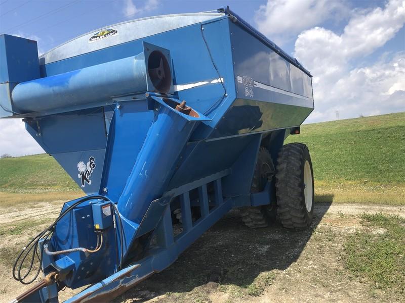 2014 Kinze 1040 Grain Cart