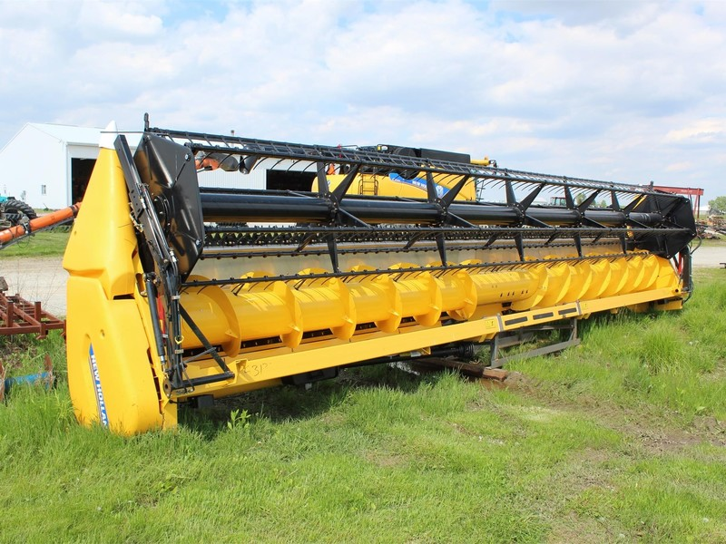 2019 New Holland 740CF-30 Platform