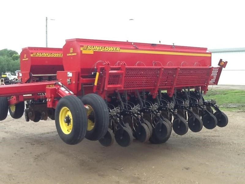 2010 Sunflower 9421-25 Drill