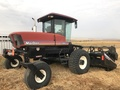 2005 MacDon 9352i Self-Propelled Windrowers and Swather