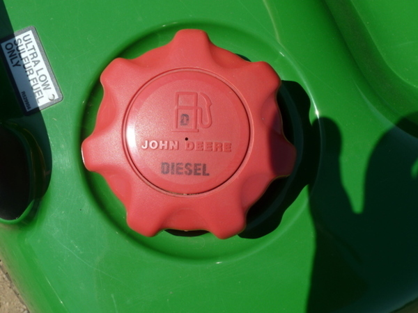 2012 John Deere X740 Lawn and Garden