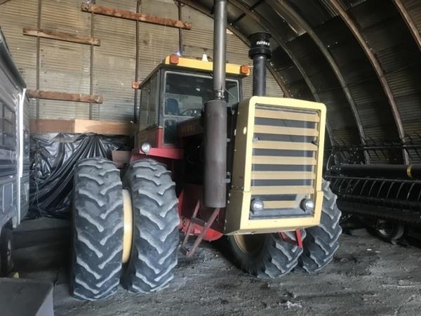 1979 Versatile 875 Tractor