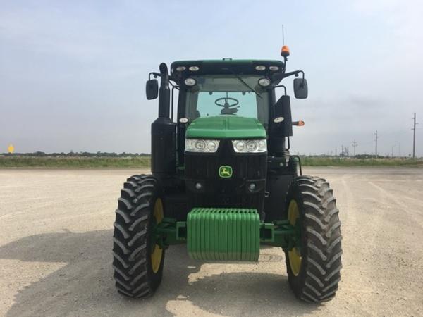 2017 John Deere 7210R Tractor