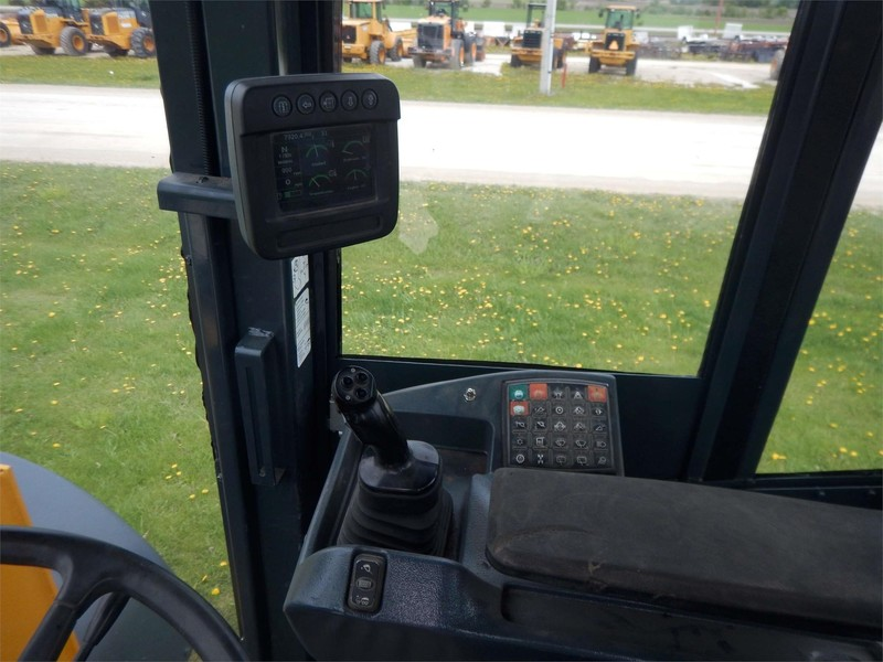 2011 Deere 624K Wheel Loader