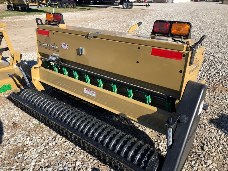 2017 Land Pride APS1572 Drill