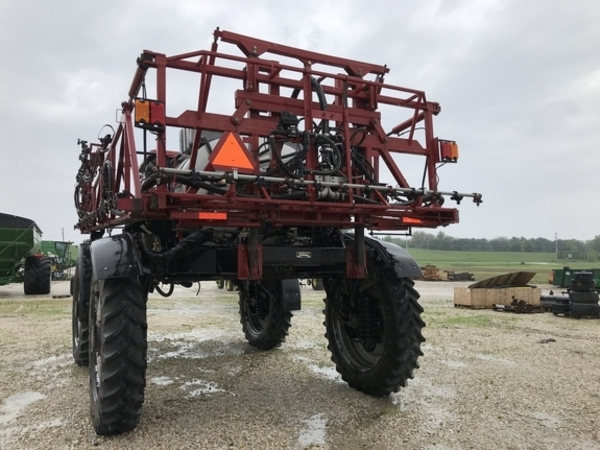 2005 Case IH SPX3200 Self-Propelled Sprayer