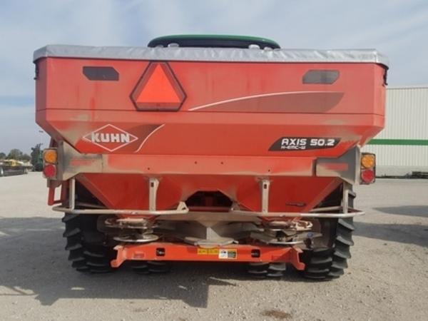 2019 Kuhn Axis 50.2 Precision Fertilizer Spreader Pull-Type Fertilizer Spreader