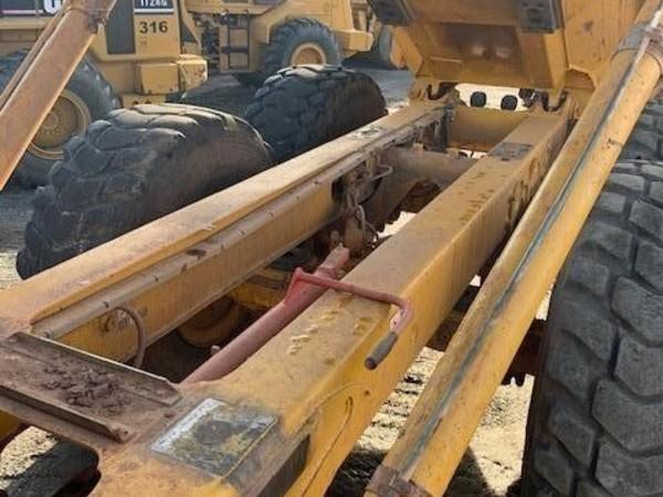 2006 Deere 250D Crawler