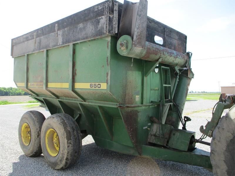 John Deere 650 Grain Cart