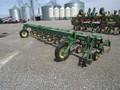 John Deere 825 Cultivator