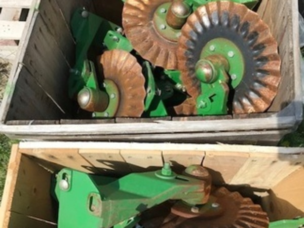 2012 John Deere Coulter Planter and Drill Attachment