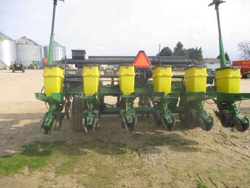 1996 John Deere 1780 Planter