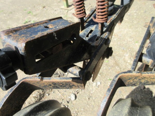 1995 Great Plains Solid Stand Drill