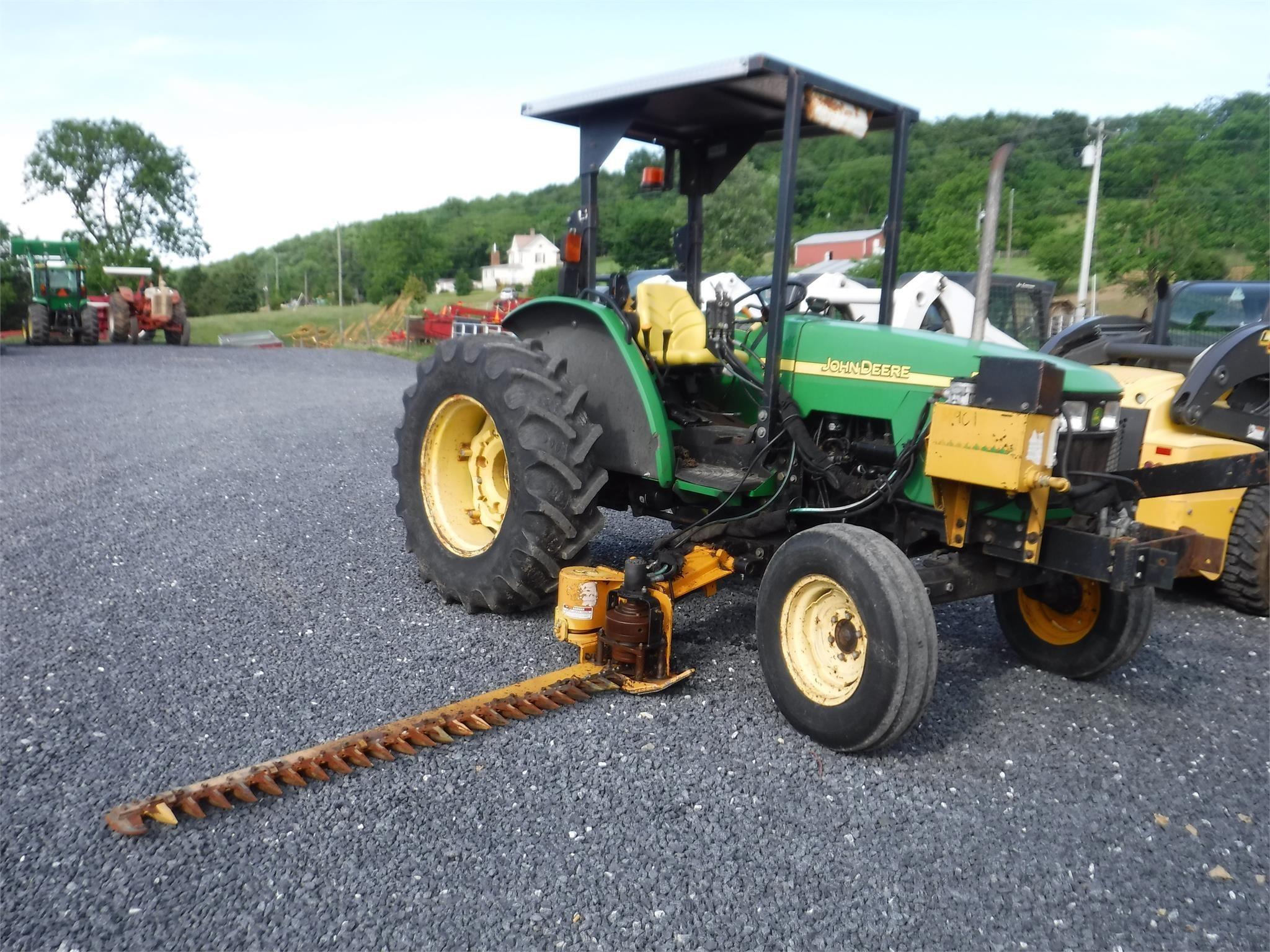 2003 John Deere 5220 Tractor