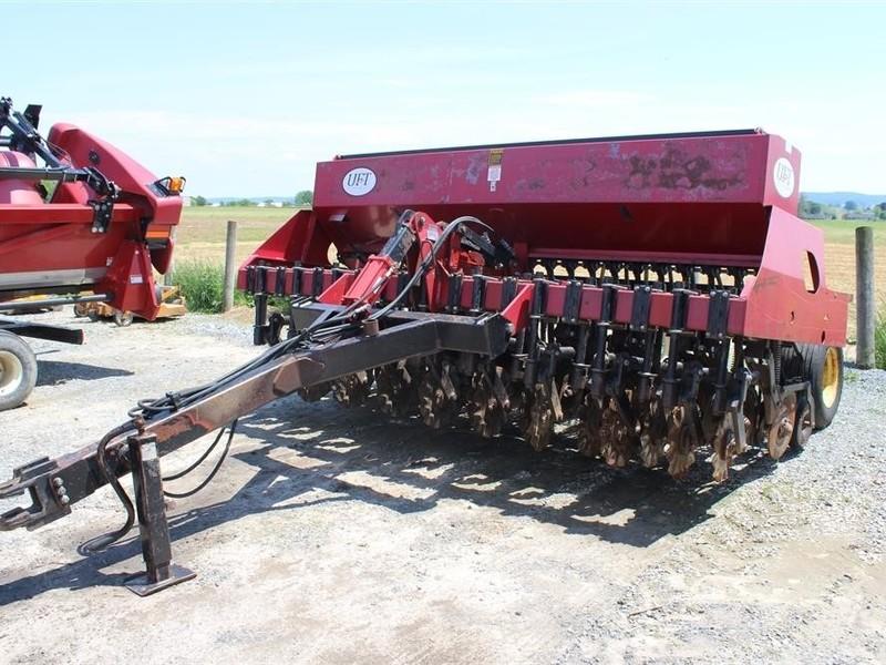 1990 United Farm Tools 5312 Drill