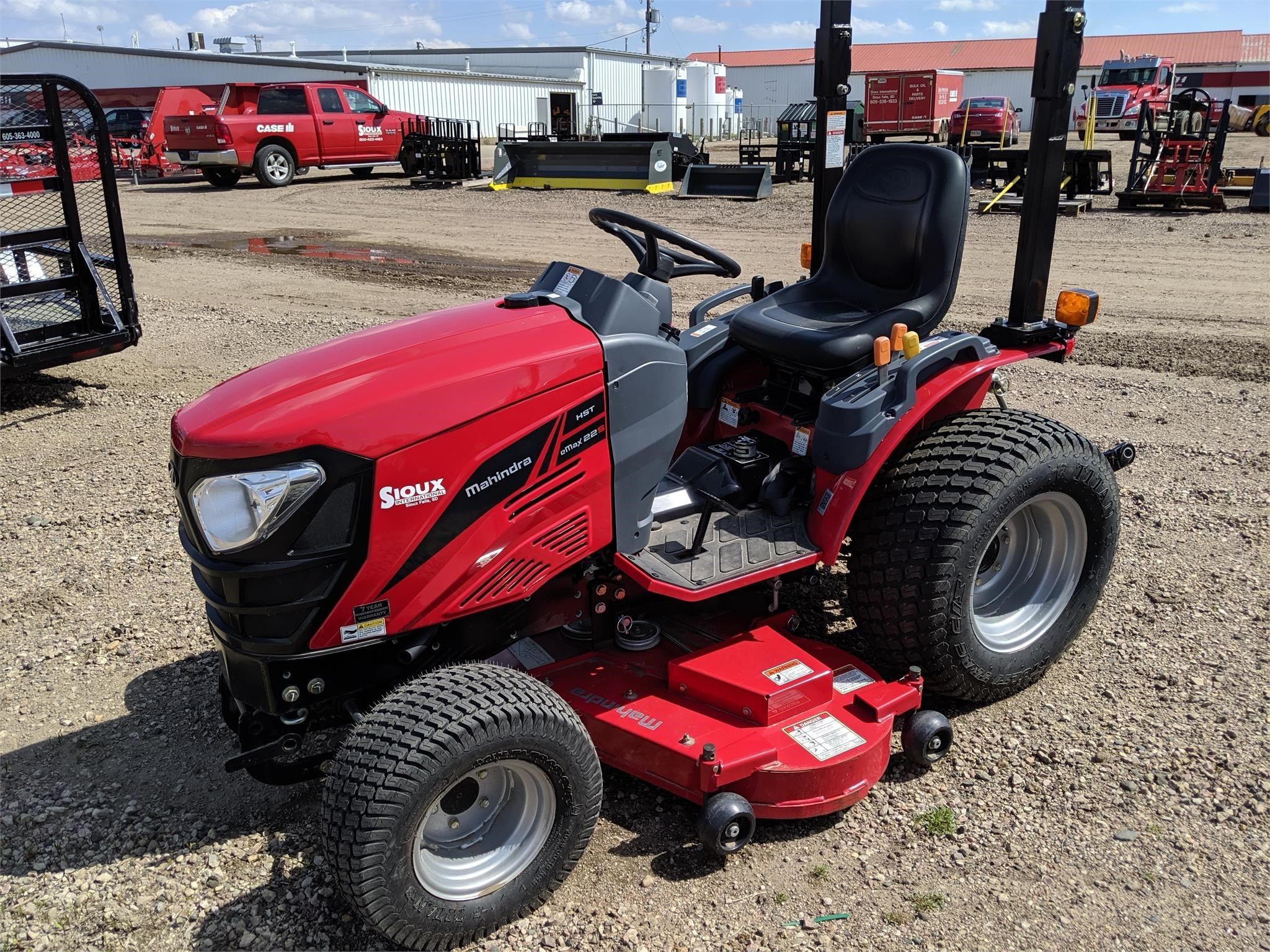 2016 Mahindra EMAX 22 HST Tractor