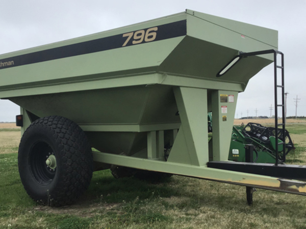 2002 Orthman 796 Grain Cart