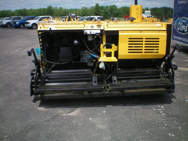 2008 Gehl 1648 Plus Compacting and Paving