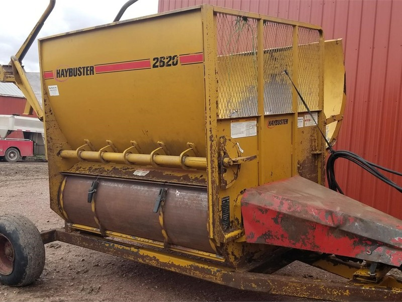 2008 Haybuster 2620 Grinders and Mixer