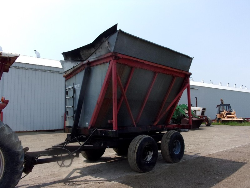 Used Farmhand Forage Wagons for Sale | Machinery Pete
