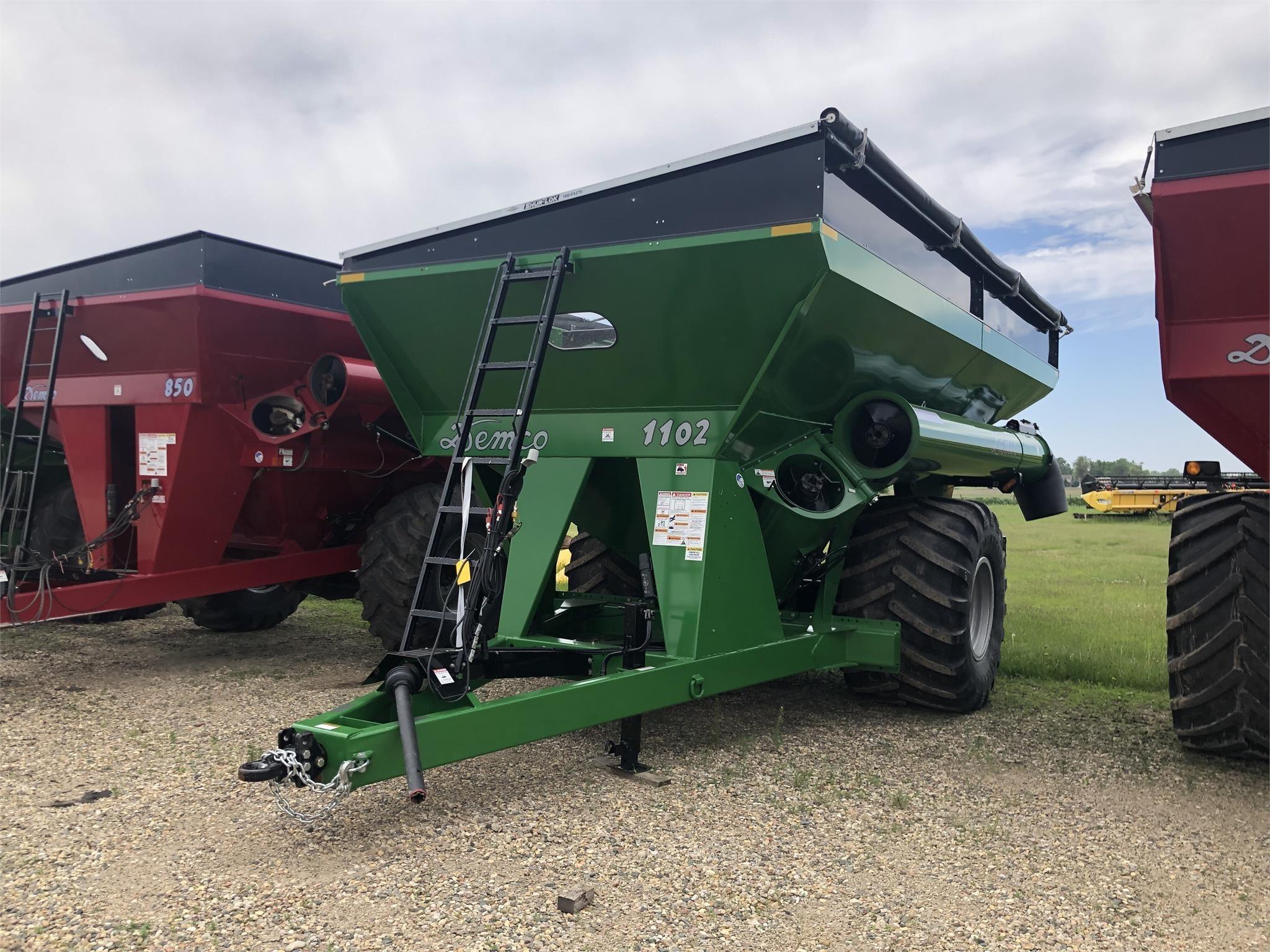 Demco 1102 Grain Cart