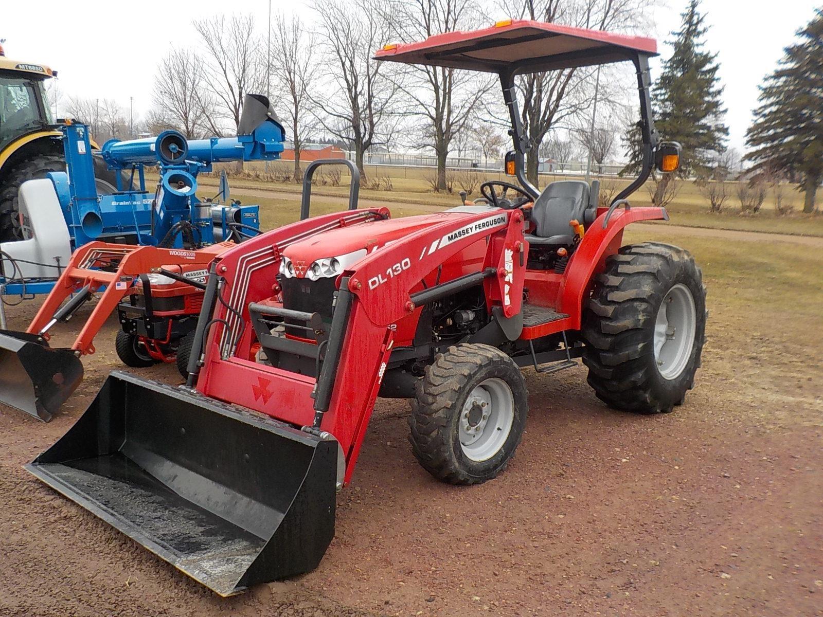 2010 Massey Ferguson 1652 Tractor