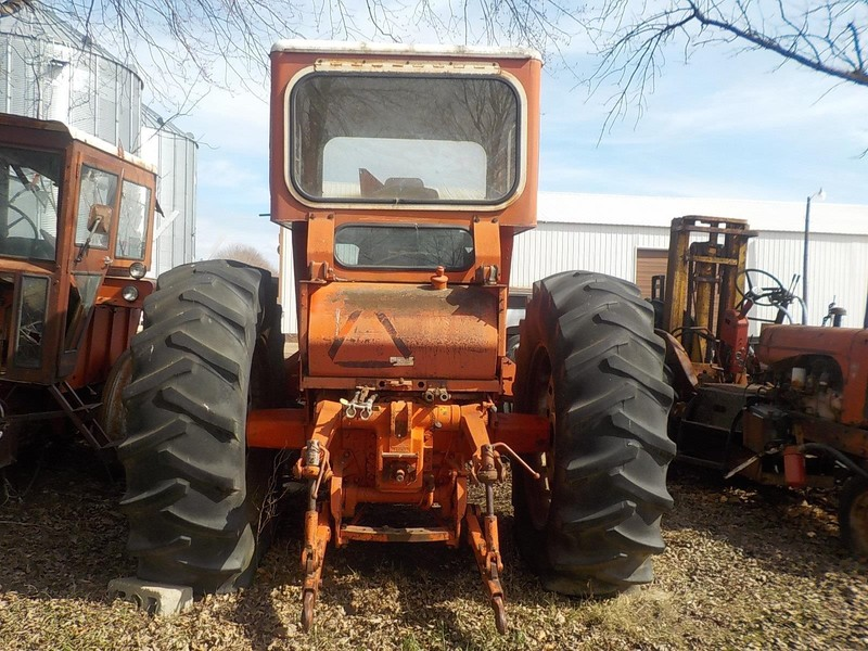 1970 Allis Chalmers 220 Tractor