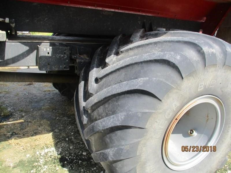 2014 Case IH Titan 4030 Self-Propelled Fertilizer Spreader