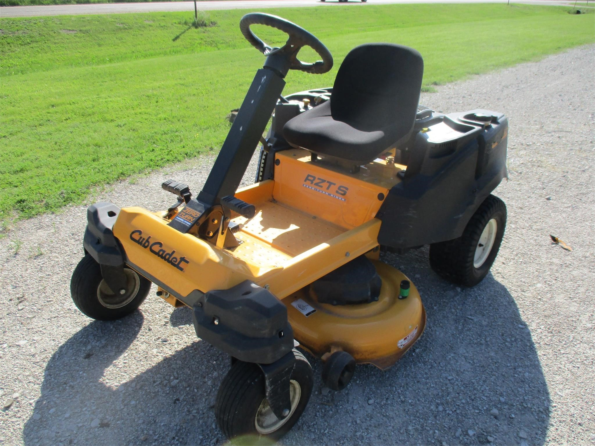 2013 Cub Cadet RZTS42 Lawn and Garden