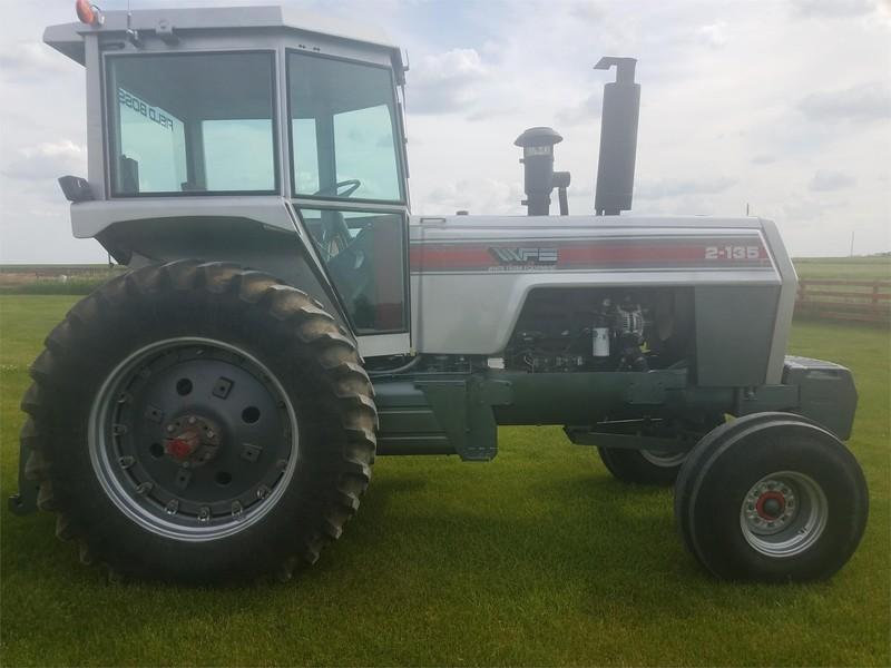 1981 White 2-135 II Tractor
