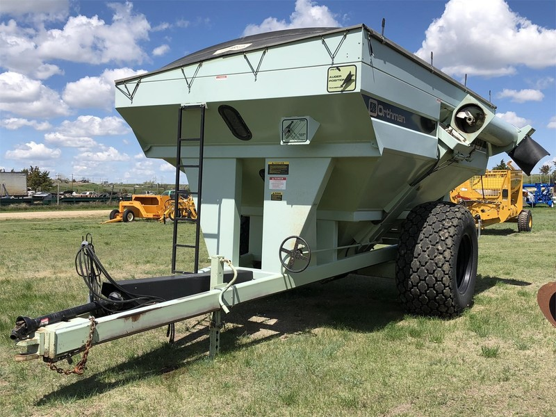 1999 Orthman 797 Grain Cart