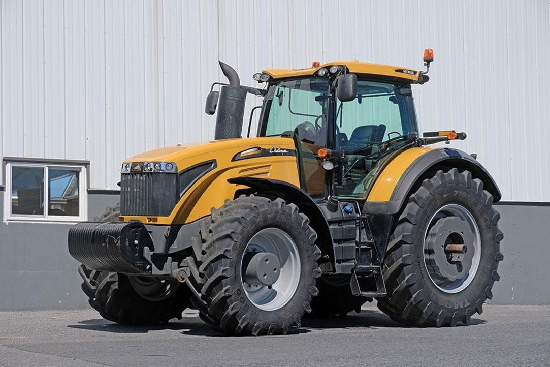 2017 Challenger MT655E Tractor