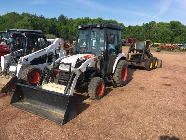 Bobcat CT335 Tractor