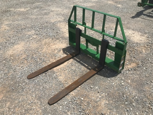 2015 Frontier AP12F Loader and Skid Steer Attachment