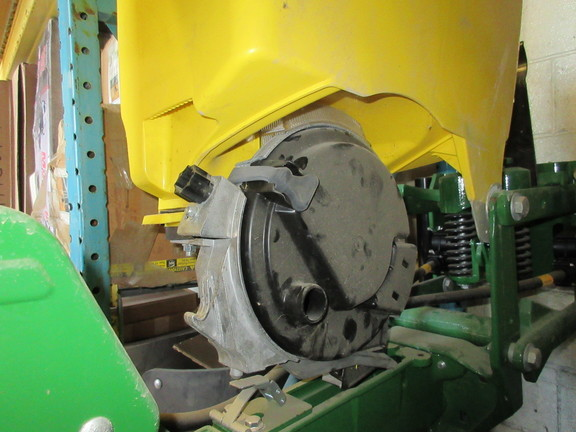 2015 John Deere 619 QH MAXEMERGE 5 Planter and Drill Attachment