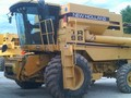 1998 New Holland TR95 Combine