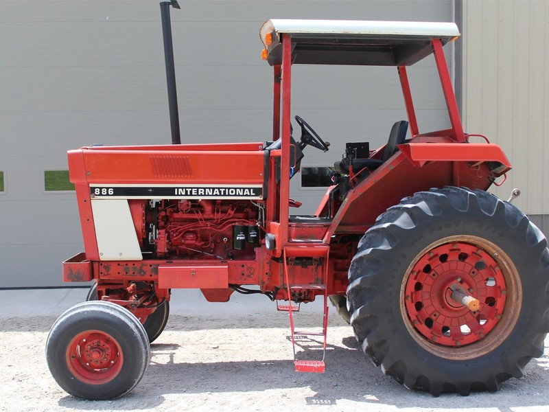 1976 International Harvester 886 Tractor