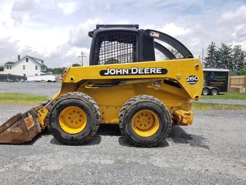 Deere 260 II Skid Steer