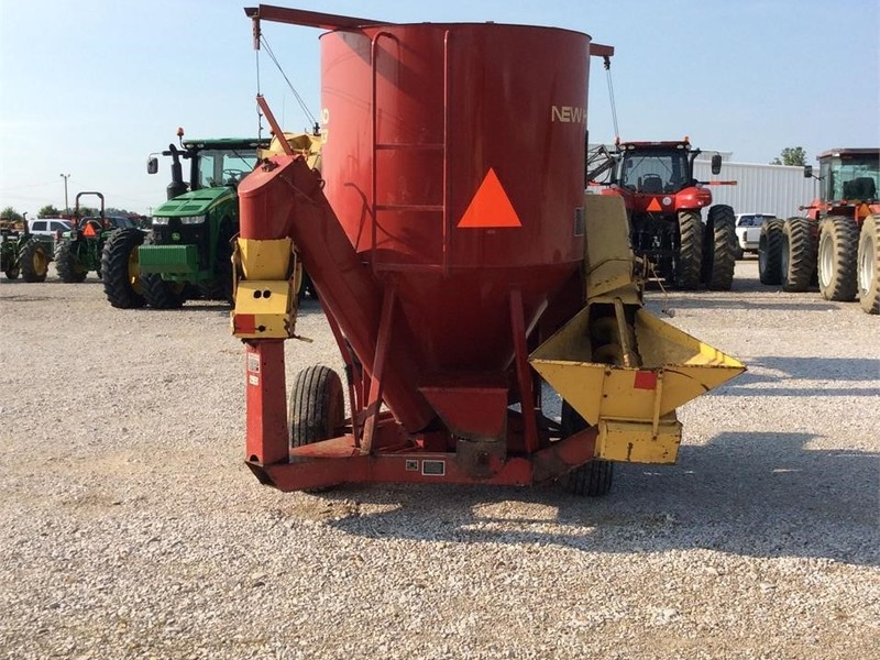 New Holland 353 Grinders and Mixer