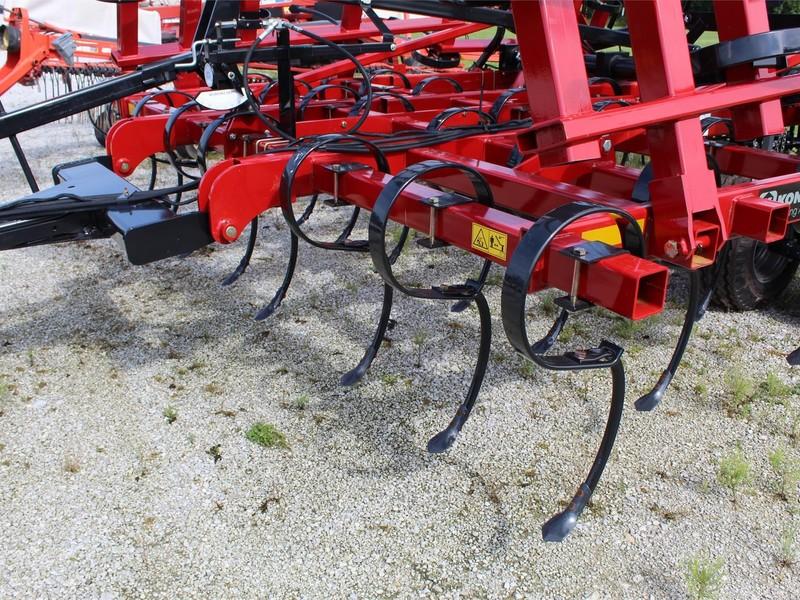 2019 Kongskilde 8232 Field Cultivator