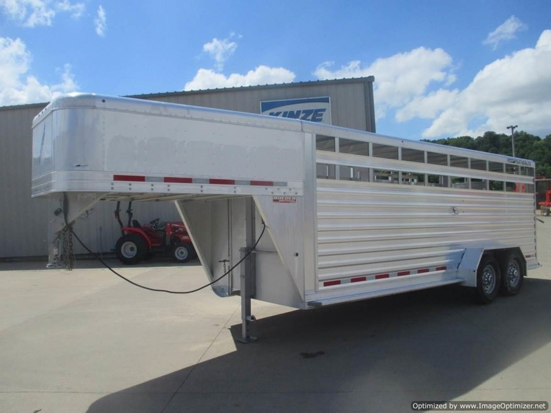 "2014 Featherlite 8117 6'7"" X 20' GN ALUM. STOCK TRAILER Livestock Trailer"